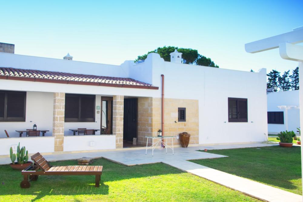 Casa vacanze e appartamenti vicino punta prosciutto for Grande casa padronale